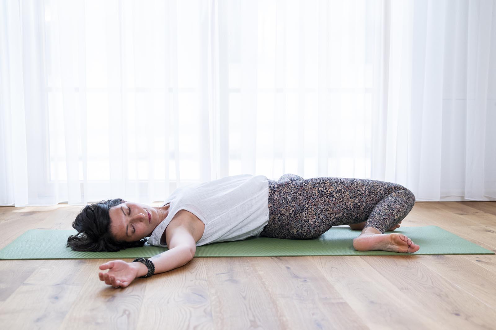 Jelena Drofenik-Premauer - #yogadoula - Jelena bei einer Yogaübung